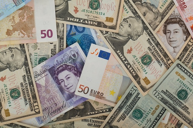 Investing in currencies